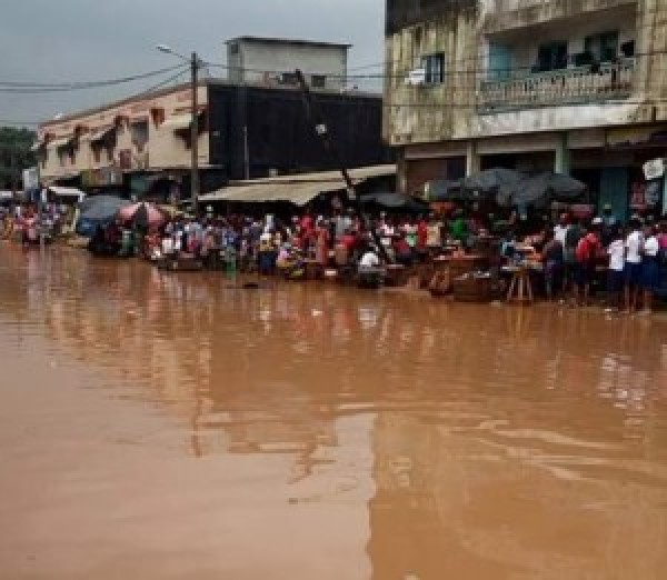 Côte d'Ivoire / rainy season, the municipality of Port-Bouet under water