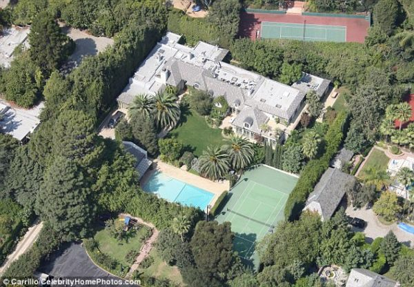 Beyonce and Jay Z Turn Thier Hollywood Mansion into a £1Million Maternity Ward